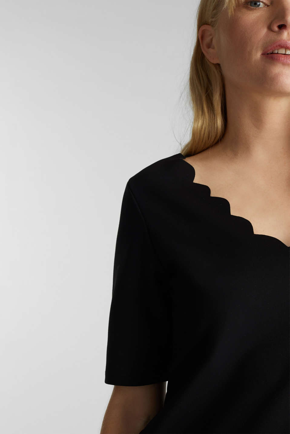 Stretch top with scalloped edges, BLACK, detail image number 2