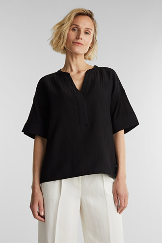 Mix of material T-shirt in a blouse style