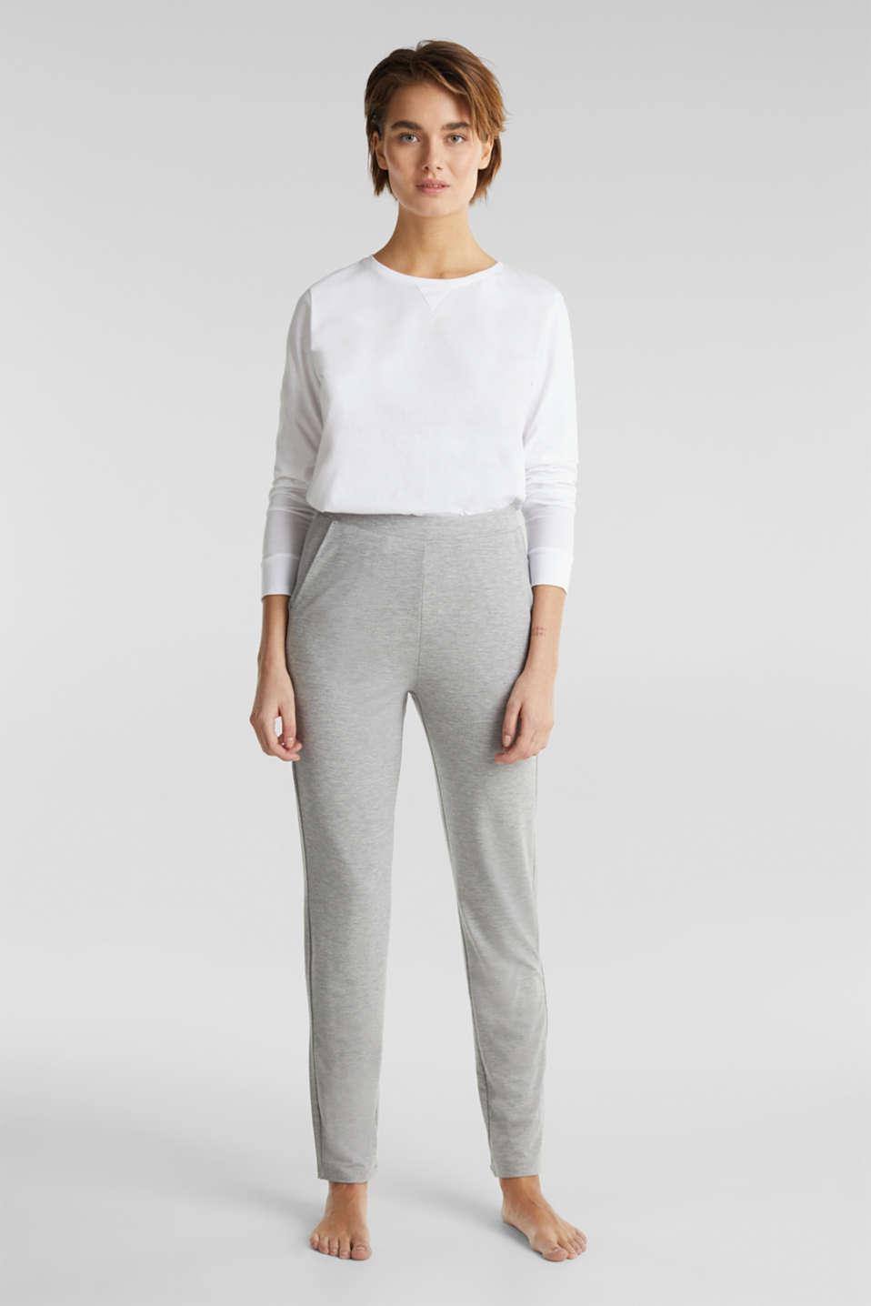 Esprit - Containing LENZING™ ECOVERO™: jersey trousers