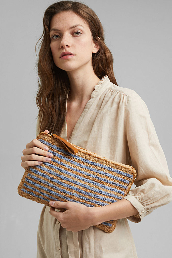 Clutch in a jute mix