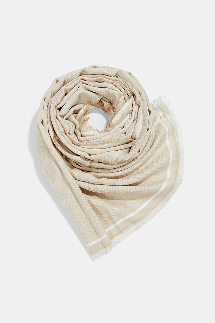 Textured scarf containing TENCEL™ REFIBRA™