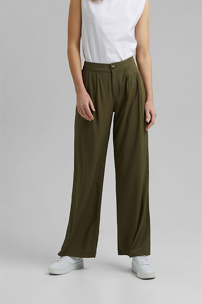 Wide trousers with an elasticated waistband