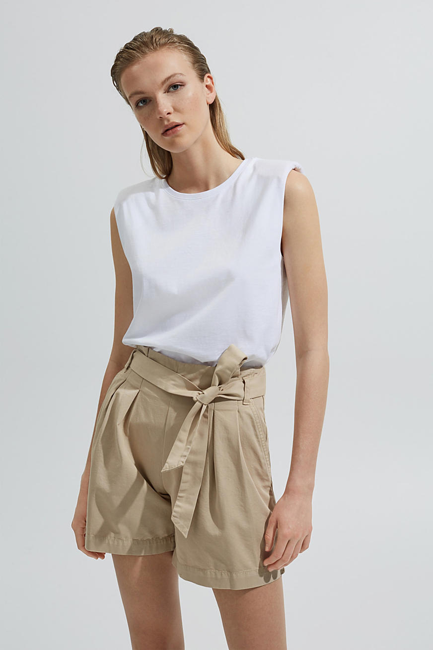 Paper bag shorts with belt