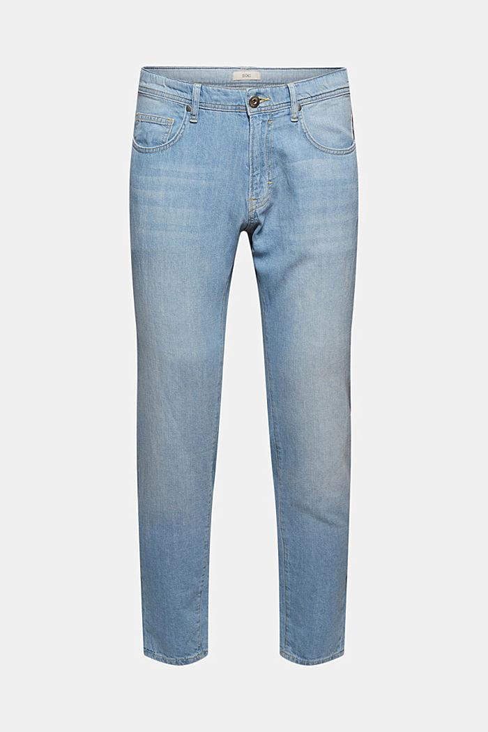 Jeans aus recycelter Baumwolle mit Hanf
