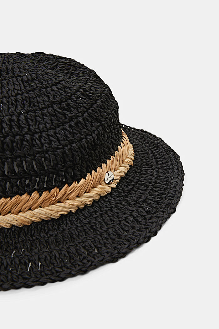 Hat made of FSC™ certified bast