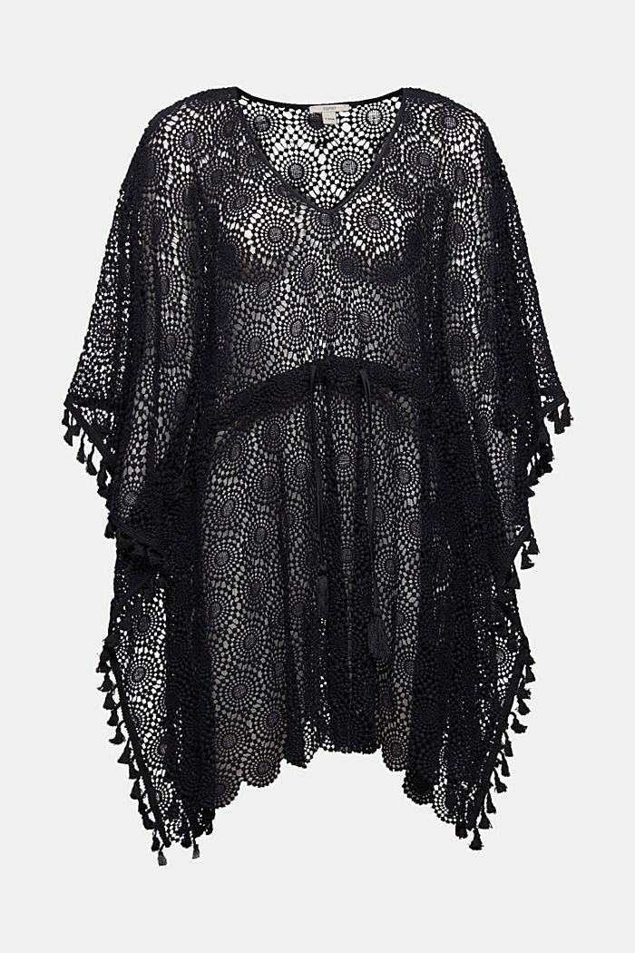 Poncho made of crocheted lace