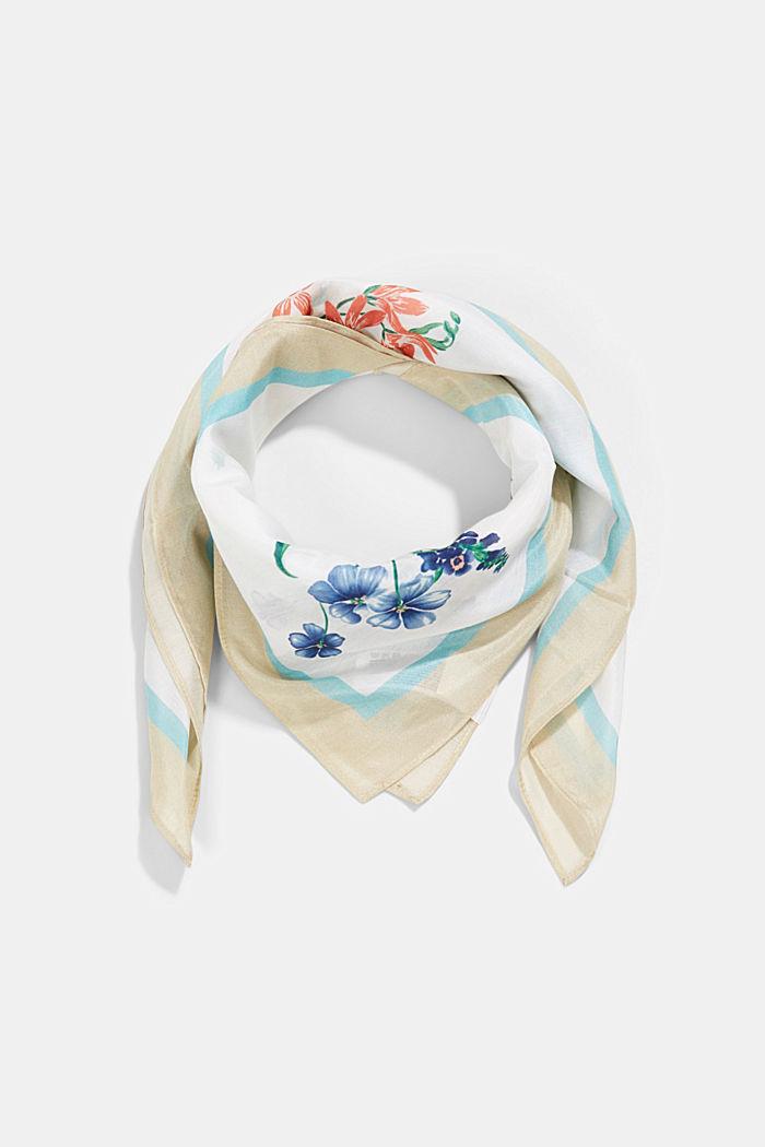 Met zijde: sjaal met bloemenmotief