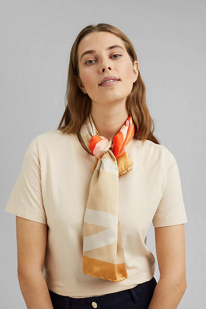 Monogram scarf with a satin finish, CAMEL, detail image number 1