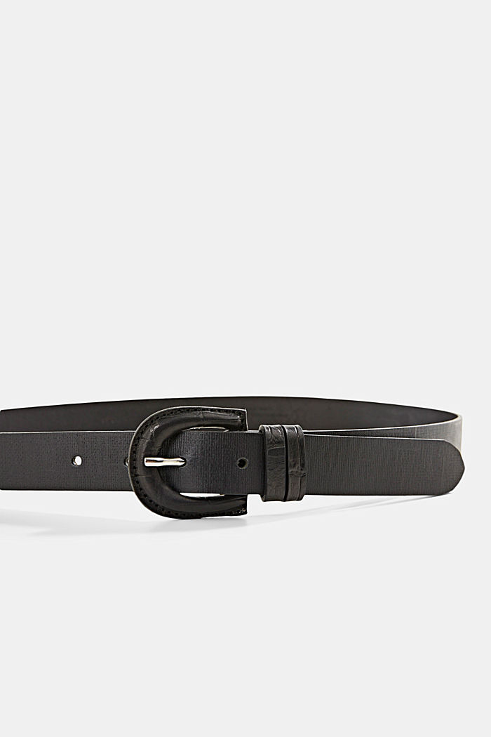 Made of leather: belt with covered buckle