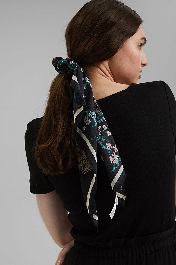 Met zijde: scrunchy met bloemenmotief, BLACK, detail image number 2