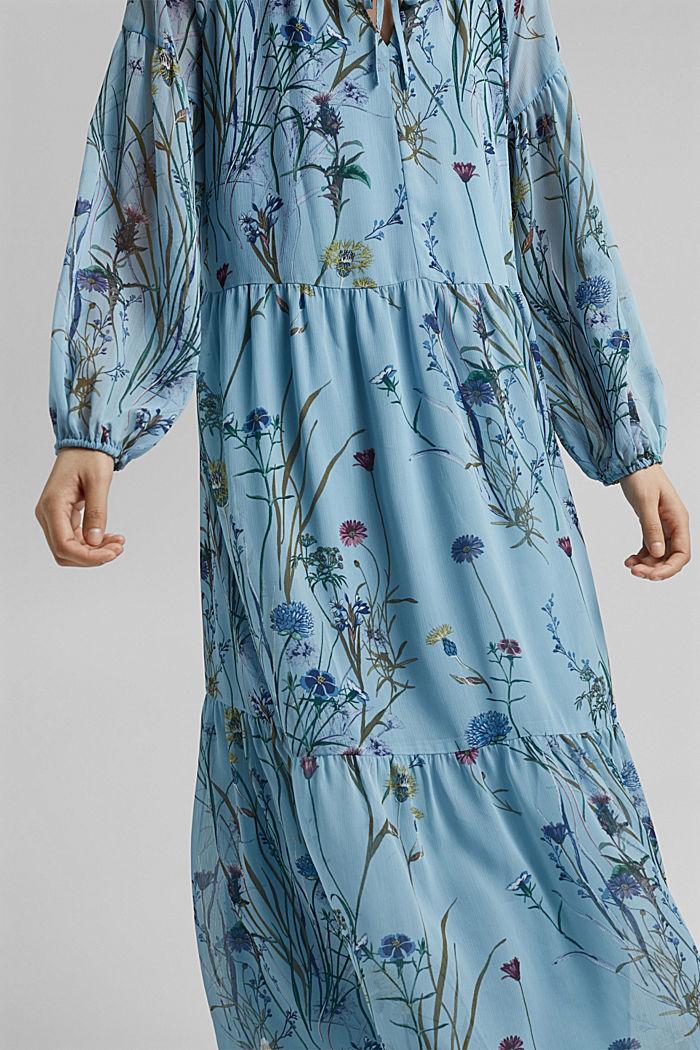 Z recyklingu: sukienka maxi z gniecionego szyfonu, LIGHT BLUE, detail image number 6