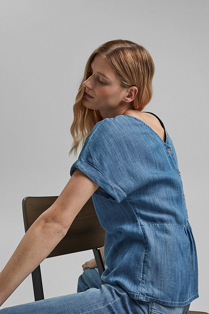 En TENCEL™ : la blouse au look denim