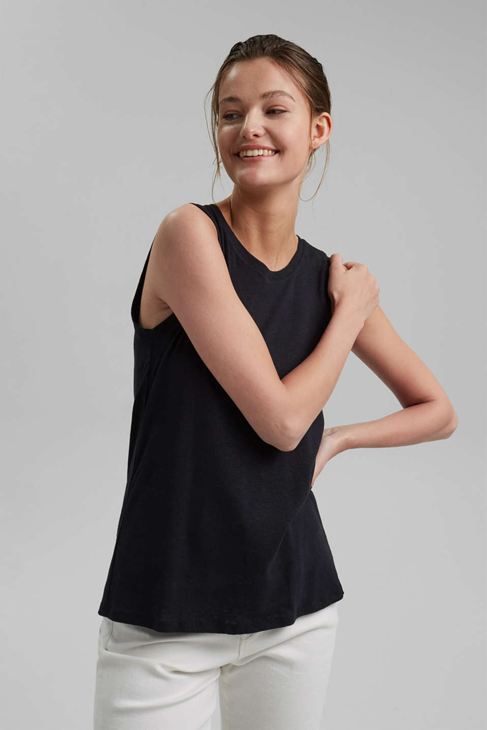 Esprit - Sleeveless T-shirt made of a cotton/linen