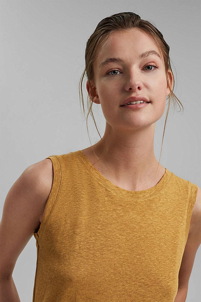 Sleeveless T-shirt made of a cotton/linen