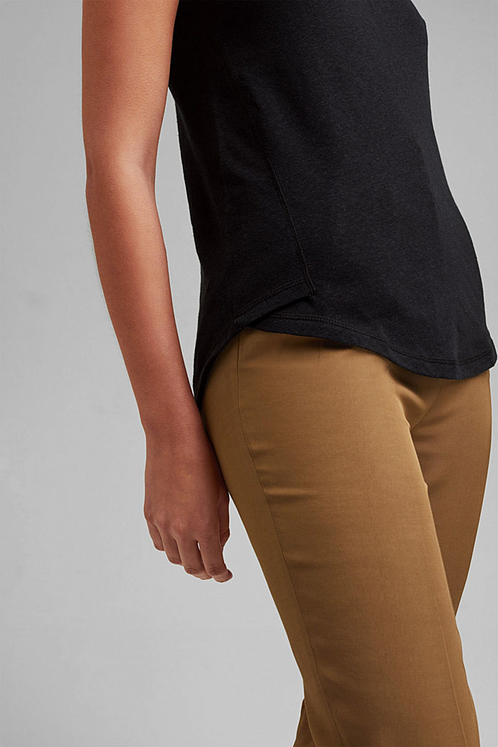 With linen: V-neck sleeveless top, BLACK, detail image number 2