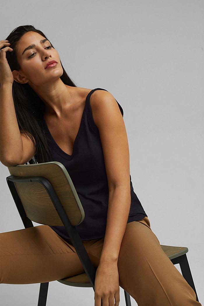 With linen: V-neck sleeveless top, BLACK, detail image number 6