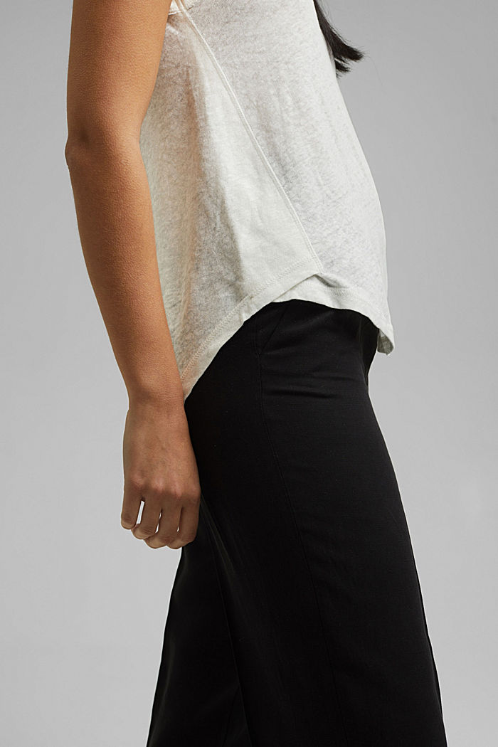 With linen: V-neck sleeveless top, OFF WHITE, detail image number 2