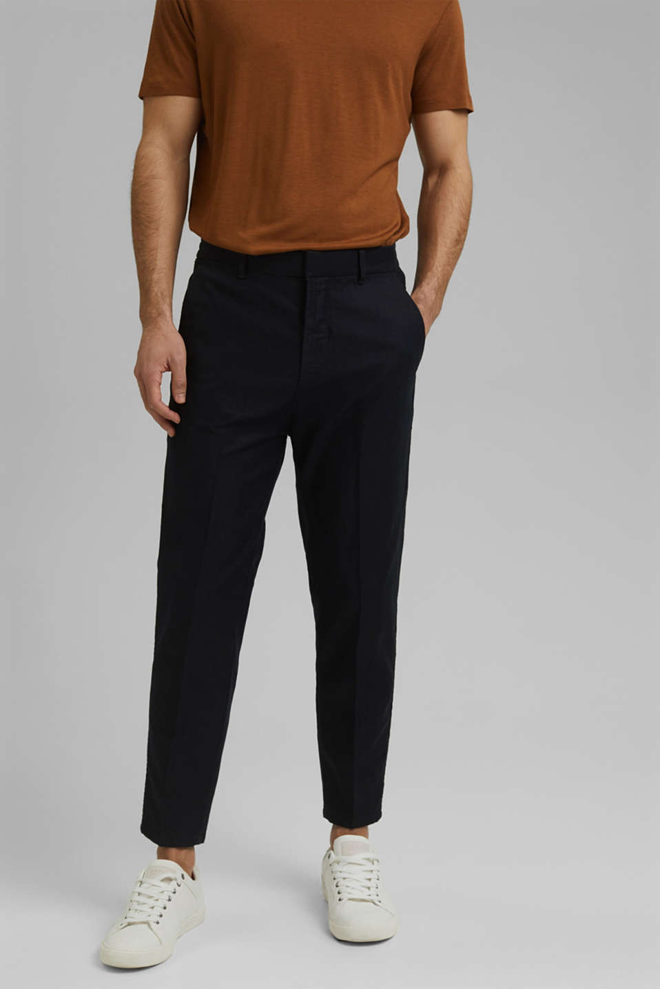 Esprit - Chino tracksuit bottoms in a linen/organic cotton blend