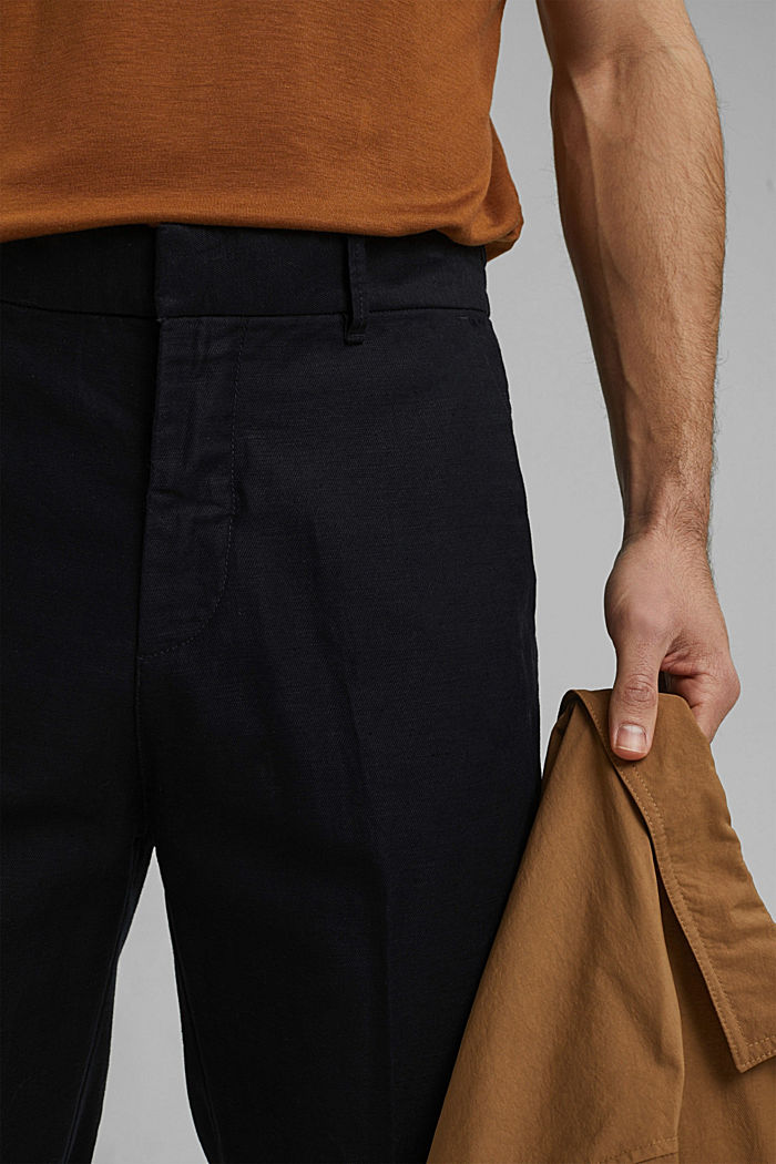 Met linnen/biologisch katoen: cropped chino in joggingstijl, BLACK, detail image number 2
