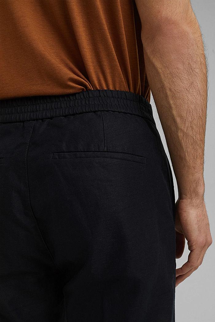 Met linnen/biologisch katoen: cropped chino in joggingstijl, BLACK, detail image number 5