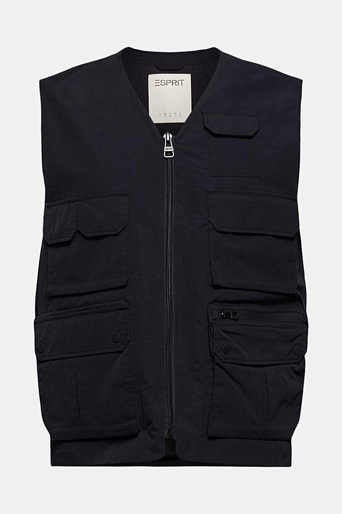 En matière recyclée: la veste sans manches matelassée, style Utility
