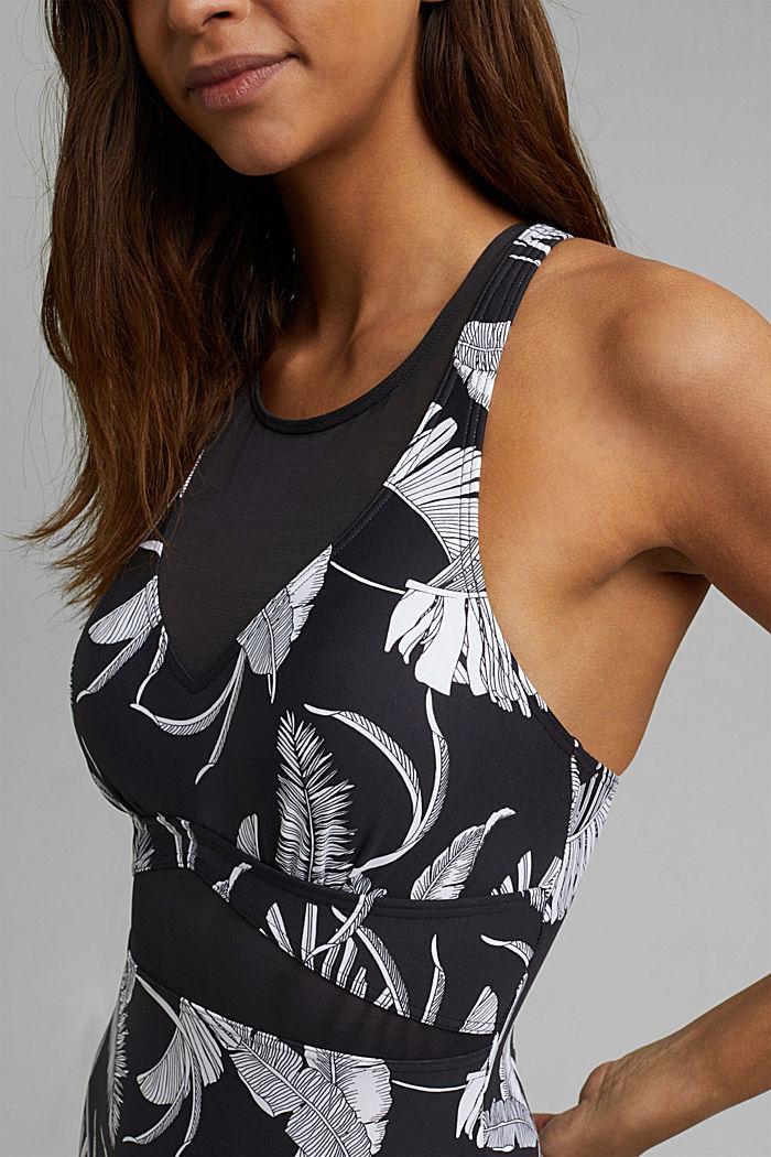 En matière recyclée: le maillot une pièce à effet sculptant rehaussé de mesh, BLACK, detail image number 2
