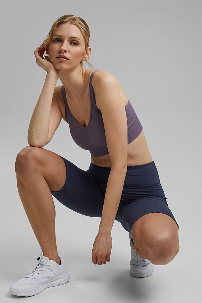 Recycled: Active shorts with E-DRY