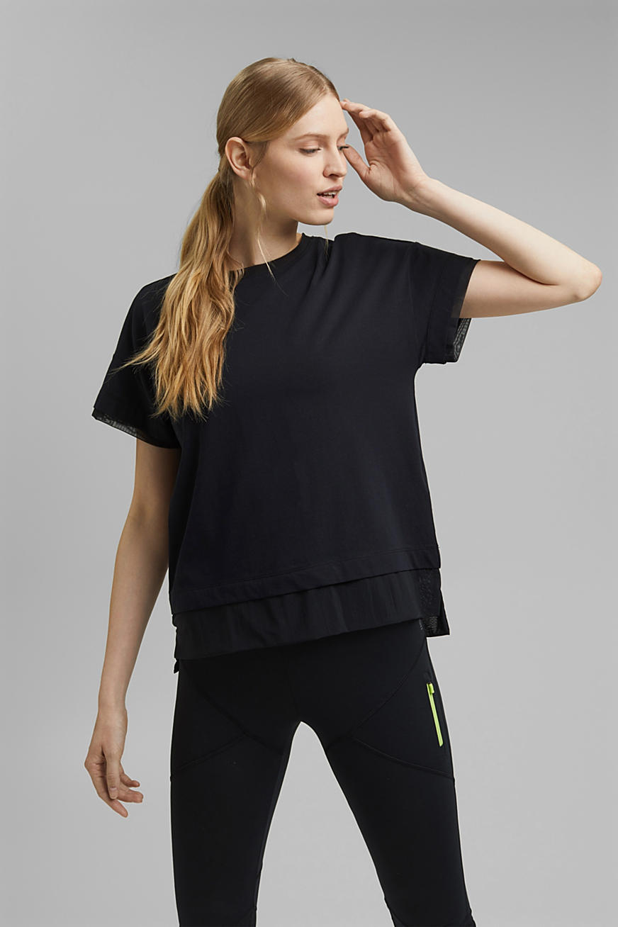 T-shirt in a layered look