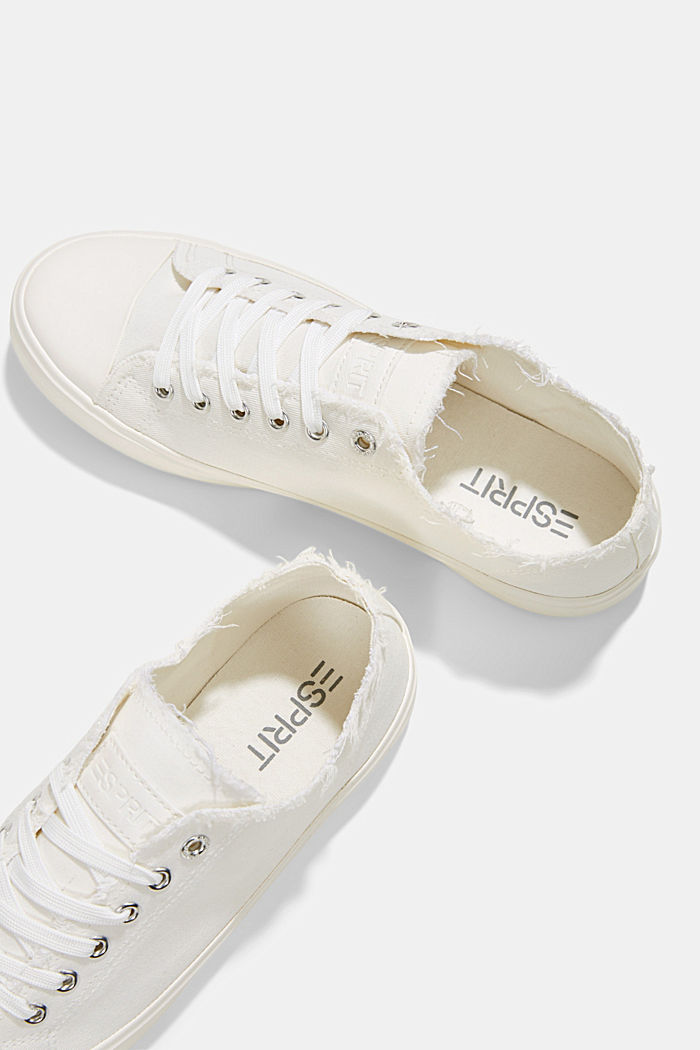 Canvas trainers made of organic cotton