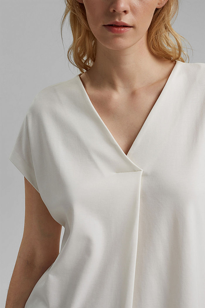 Containing TENCEL™: V-neck T-shirt made of interlock jersey, OFF WHITE, detail image number 2