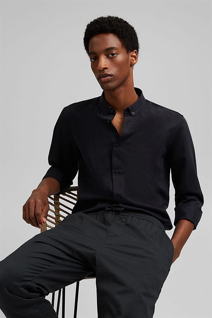 Mit Leinen: Button-Down-Hemd