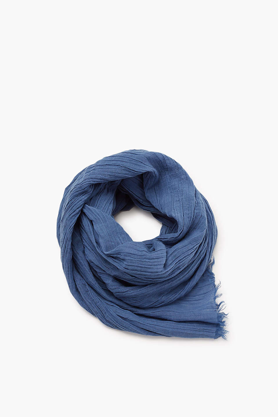Scarf with fine fringing in cool blended cotton