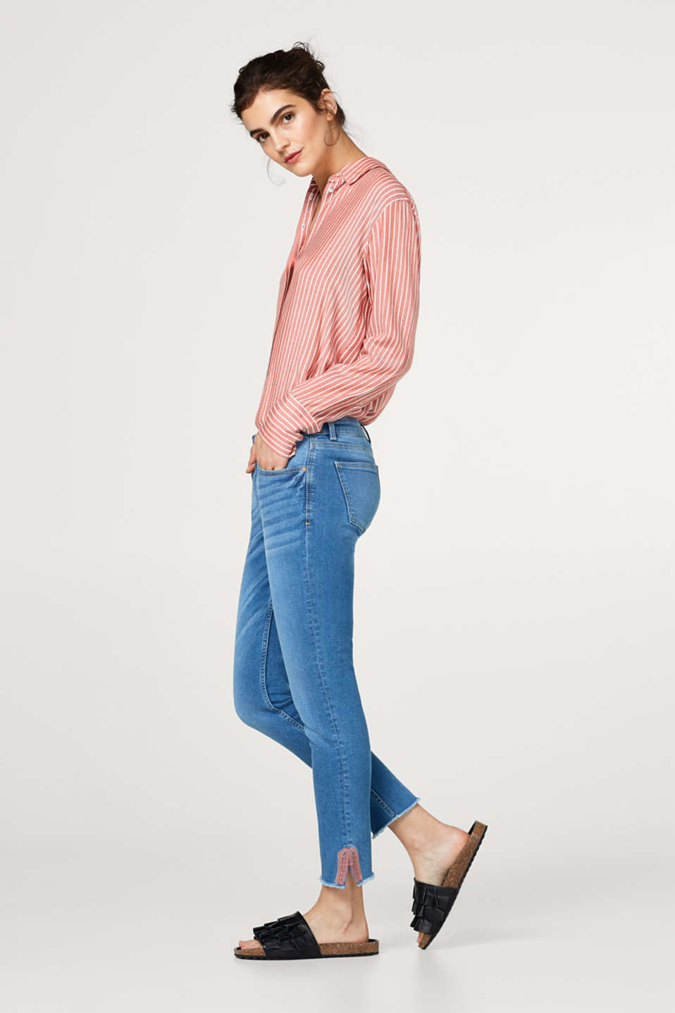 Embroidered ankle-grazer jeans in premium fabric