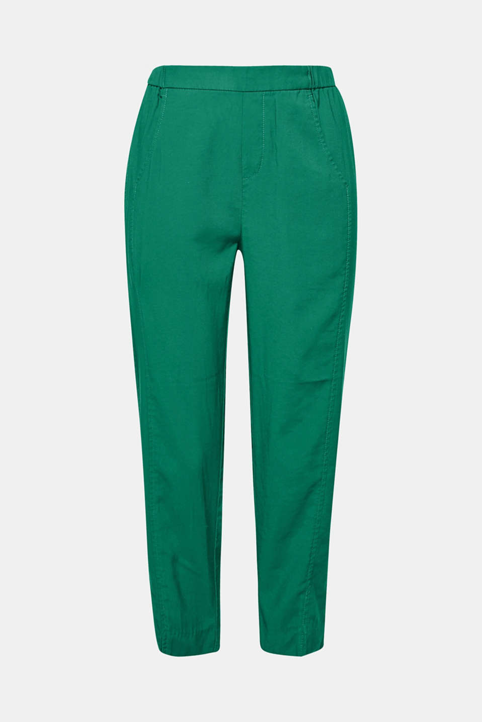 These jogg trousers  in smooth soft woven fabric are a versatile fashion favourite and super comfortable to wear.