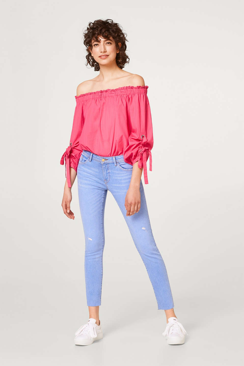 Cropped stretch jeans with vintage effects
