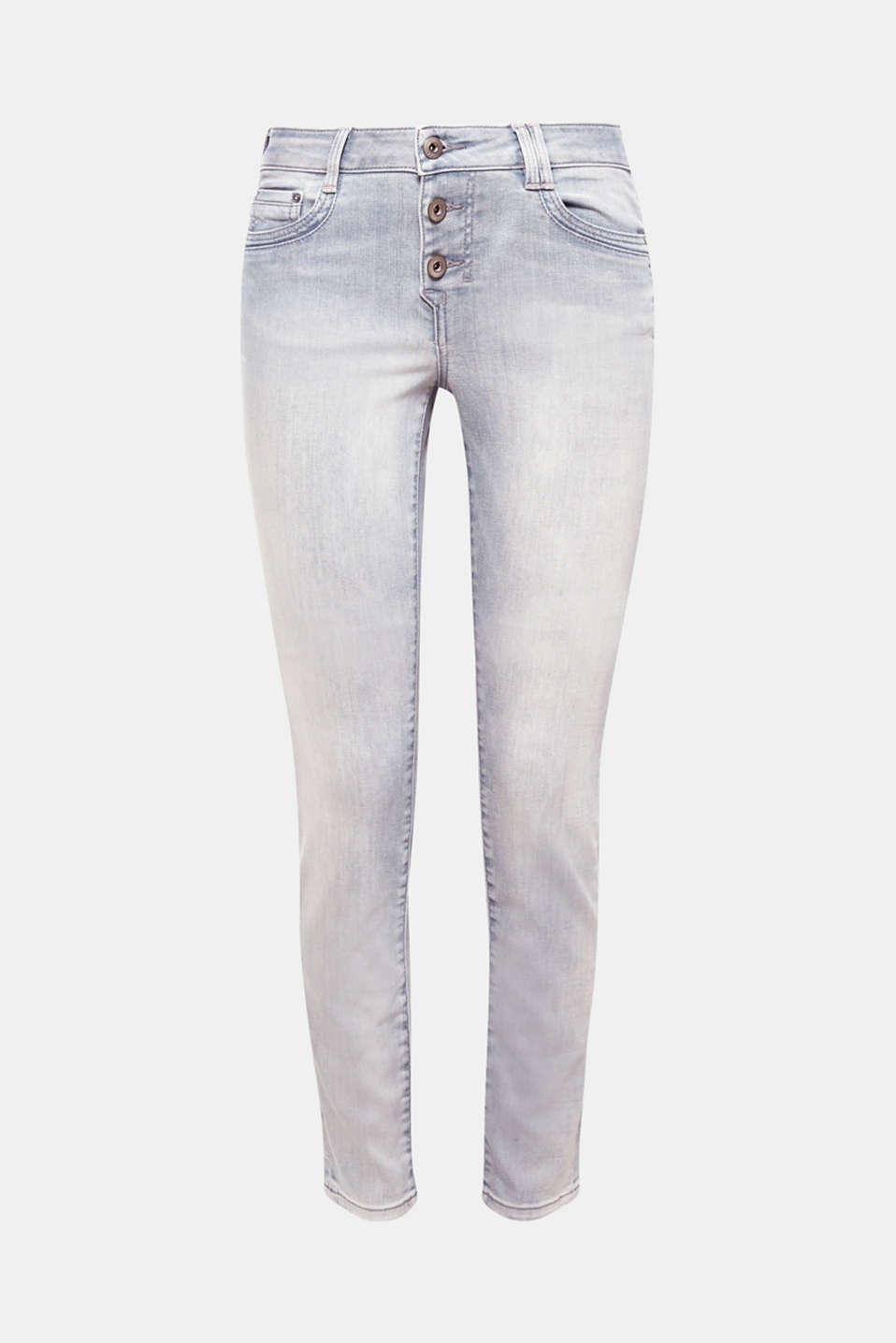 So on trend: these jeans with a button fly! Here as a five-pocket model in a pale garment wash with vintage effects.