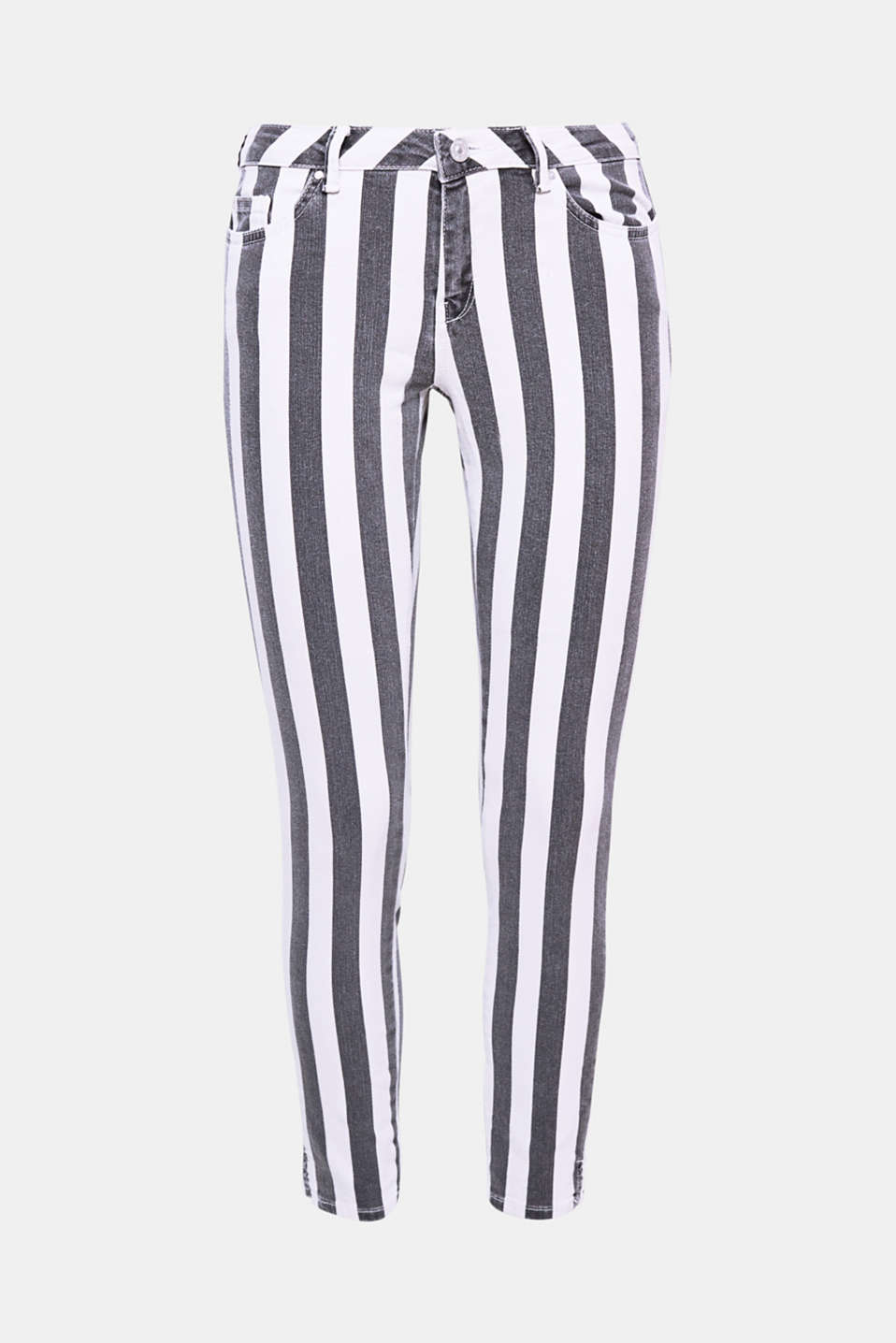The vertical stripes and narrow, ankle-skimming cut give these stretch jeans an innovative, modern twist.