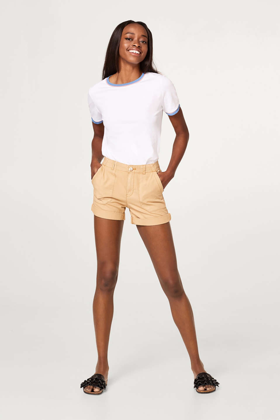 Shorts with patch pockets, 100% cotton
