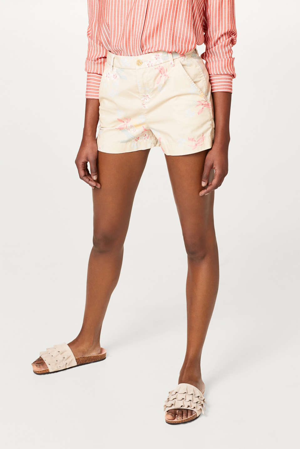 edc - Stretch cotton shorts with a floral print