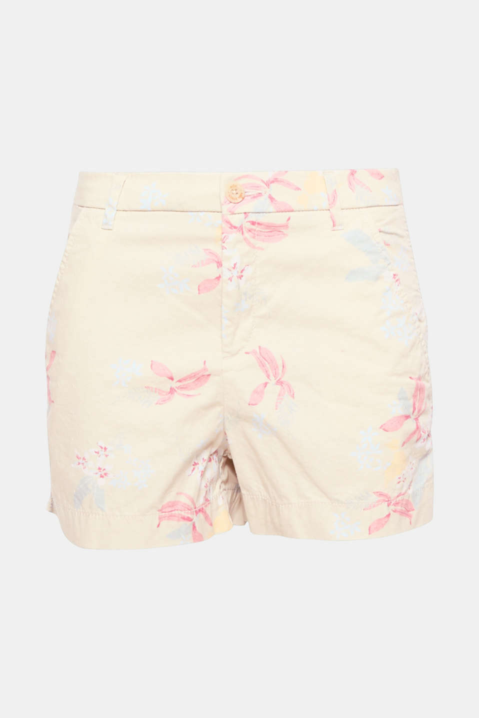 In full bloom! These floral cotton shorts are the perfect piece for staying comfortable and looking chic on hotter days!