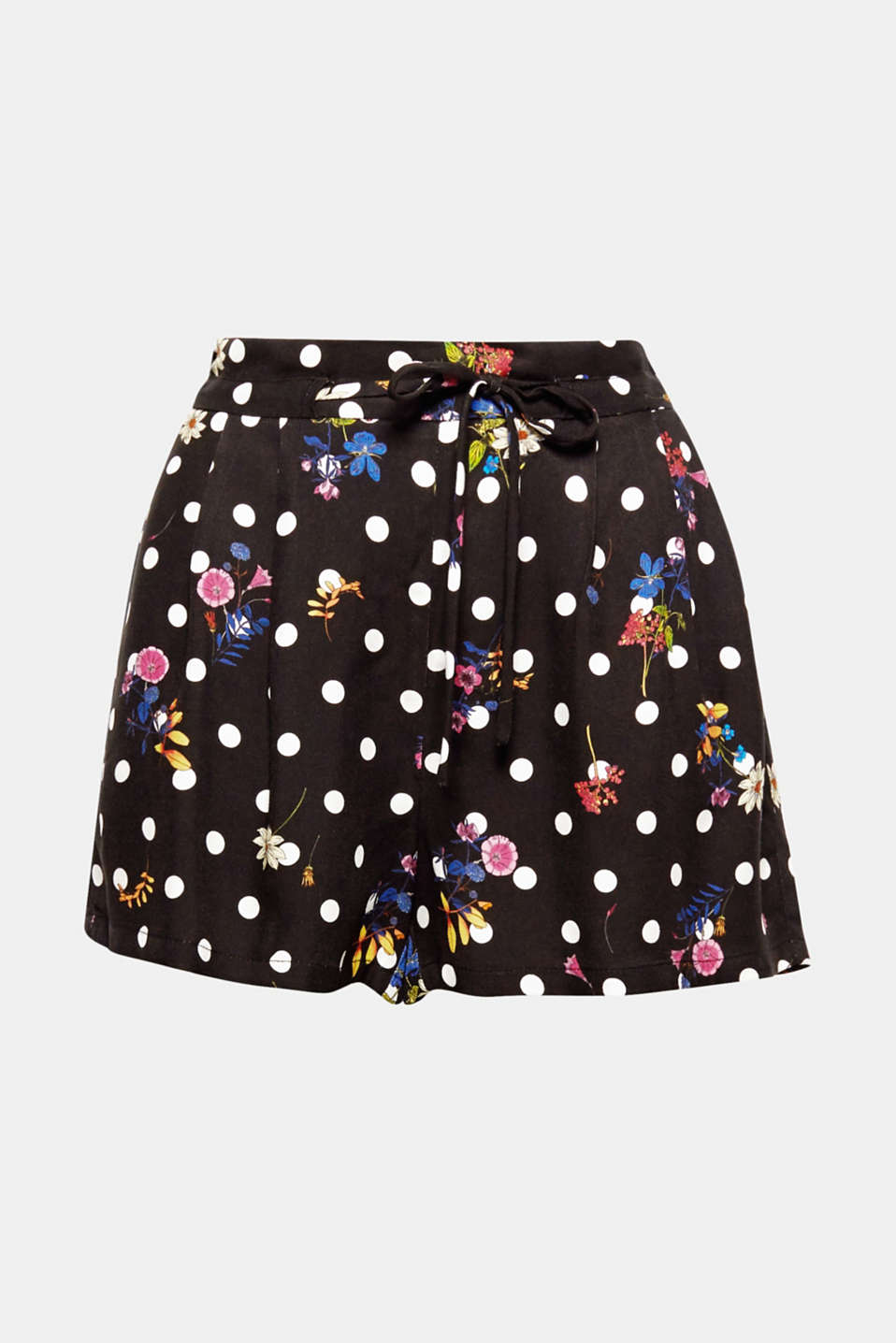 The best mix of patterns: the combination of romantic flowers and charming polka dots makes these flowing shorts a fabulous, eye-catching piece.
