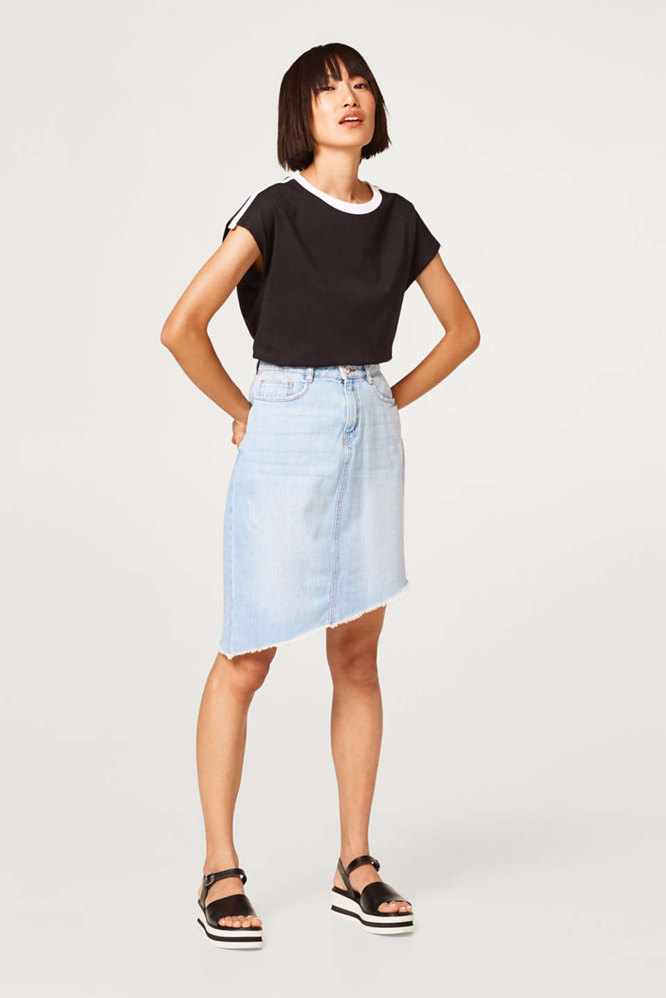 Asymmetric denim skirt in 100% cotton