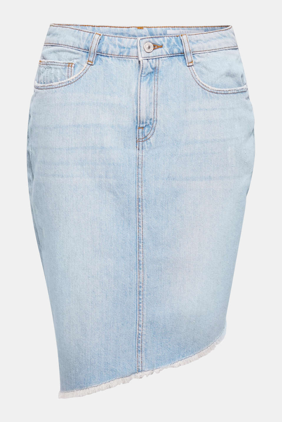 Light denim with ripped effects and an asymmetric frayed hem give this denim skirt a trendy rock aesthetic!