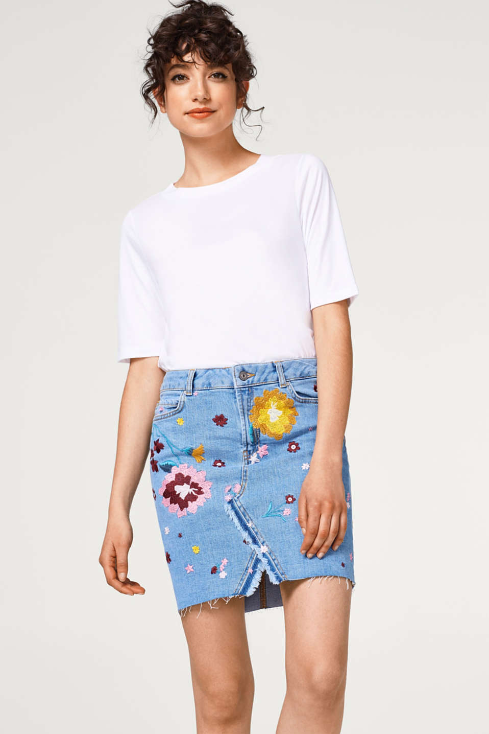 edc - Denim skirt with elaborate floral embroidery