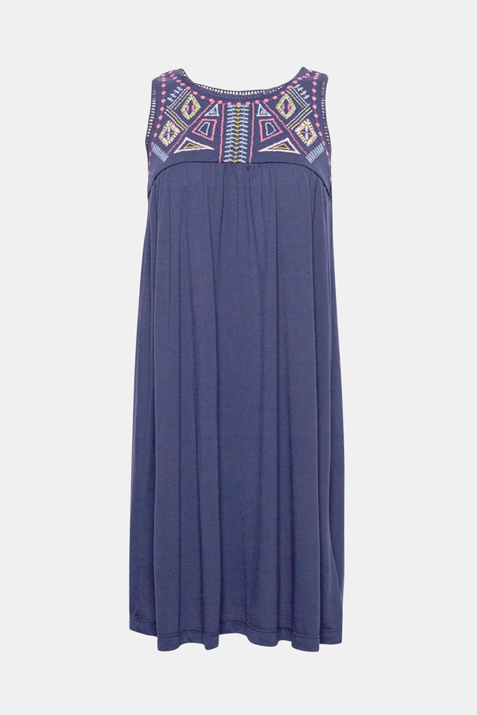 Summer styles can be so beautiful: this airy jersey tent dress with a colourfully embroidered neckline yoke exudes stylish tribal vibes.