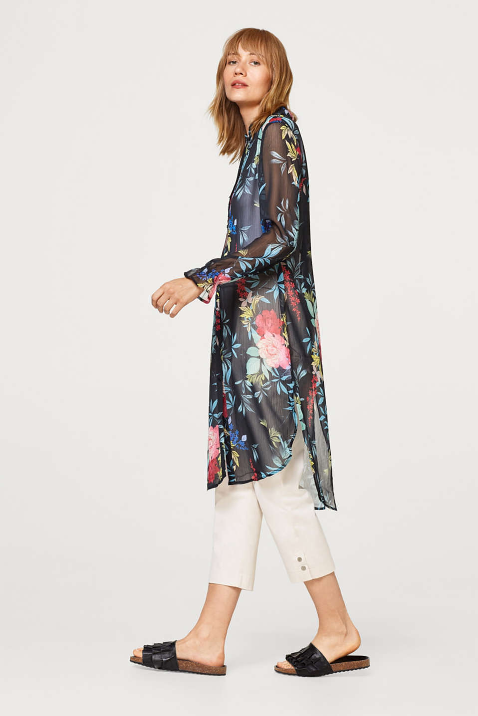Long chiffon blouse with a floral pattern