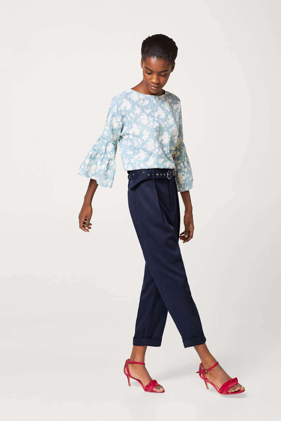 Light and airy textured blouse with a floral print