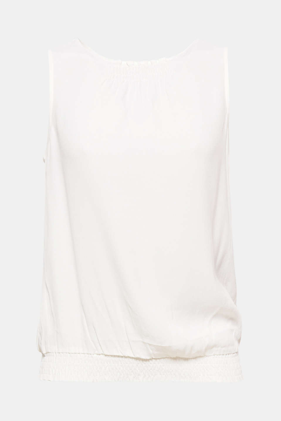 Airy summer style! This blouse top with smocked details and flowing viscose fabric will pep up your outfit.