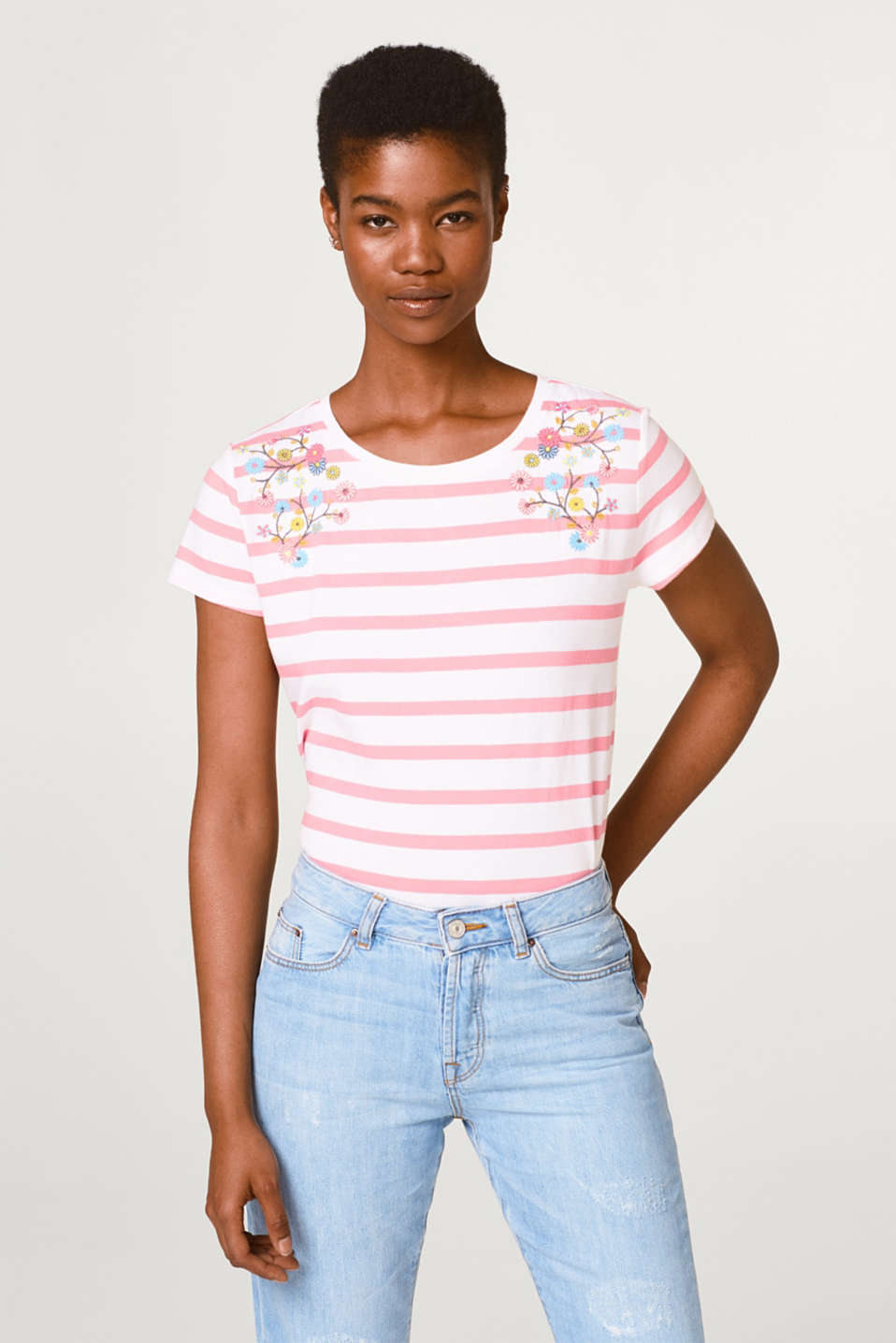 edc - Cotton top with an embroidery