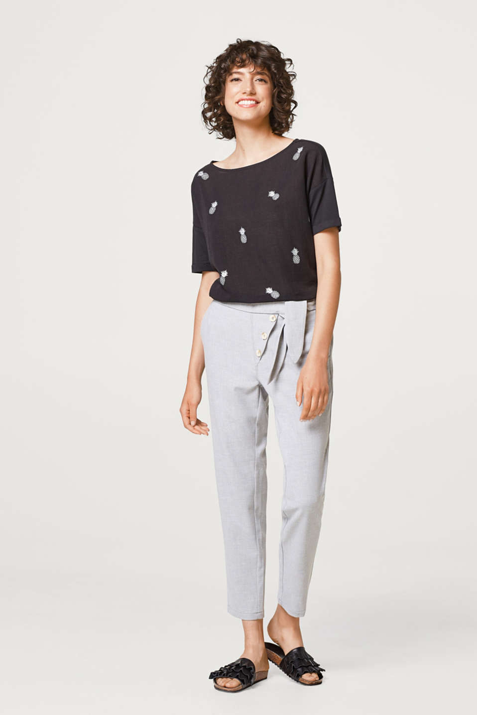 Softly draped T-shirt with a print